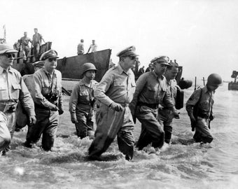 General MacArthur returns to the Philippines, WWII