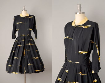 1940s Dress // 1940's Black Silk Novelty Print Dress w/ Linen Collar // Large