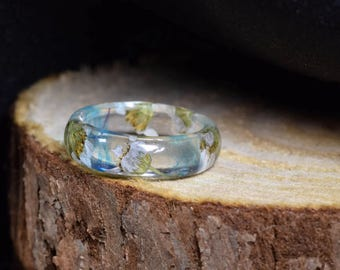 Clear resin ring with real white flowers Nature ring Real flower ring Transparent ring with dried flowers