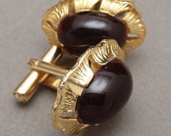 Deep Red Cuff Links with Ruffled Edge Toggle Backs Vintage