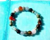 Bracelets avec des perles de pierres qui font votre chemin de vie