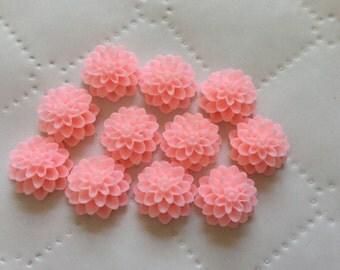 8 pcs 15 mm Cabochon flower,Soft Pink,Matte,pink Chrysanthemum,15 mm soft Pink flower,15 mm pink cabochon,Light Pink resin flower,flower