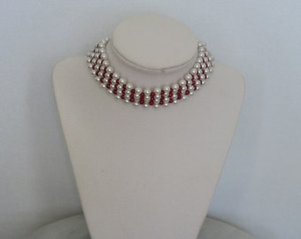 Red and white pearl choker necklace