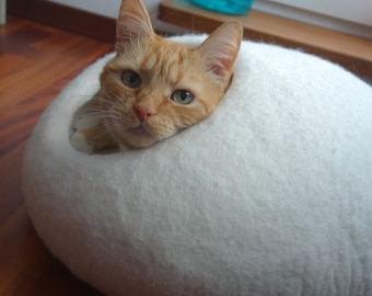 Felted  Cat Bed / Cat Cave / Cat Den / Cat House / Cocoon and GIFT
