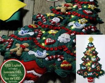 Bucilla Merry & Bright Christmas Tree ~ Felt Wall Hanging Kit #86738 Real Lights DIY