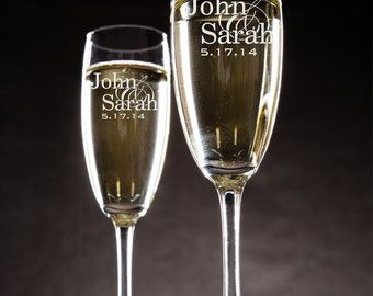 Personalized Champagne Toasting Flutes (2)