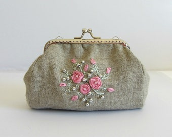 Embroidered purse, hand embroidered pouch, small jewelry bag, embroidered clasp purse, embroidered linen, floral linen clutch