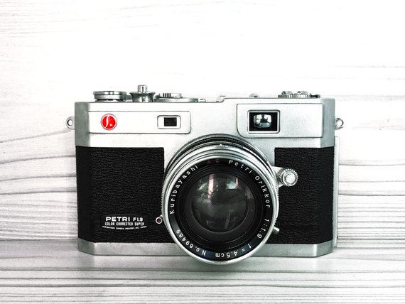 Petri 1.9 Kuribayashi 35mm rangefinder - vintage camera for sale- 45mm 1.9 Orikkor lens
