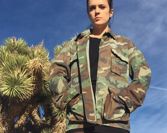 Vintage Men's Army Jacket - USMC Camo Fatigues Uniform