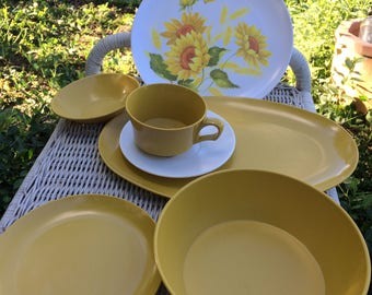 40 pc Vintage Allied Chemical Dishware--Sunflower Motif