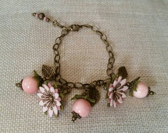Beautiful vintage style felt flower charm bracelet