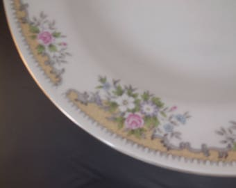 Salad bowls, on the back state China Haicheng, eight inch bowls eight.