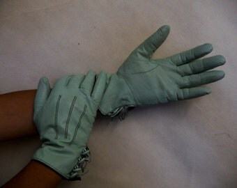 Soft Turquoise Leather Gloves  (vintage 1960s)