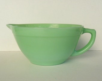 Vintage Jadeite Batter Bowl With Spout And Handle ~ Fire-King Jadite Oven Ware Bowl