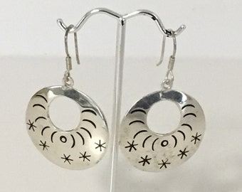 Etched Disc Hoop Pierced Dangle Earrings 925 Sterling Silver TO-69 Mexico gw16-369