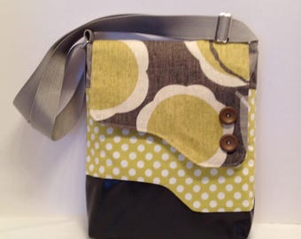 Adult purse: Mustard flower bag with magnet closure, front and inside pocket and adjustable strap