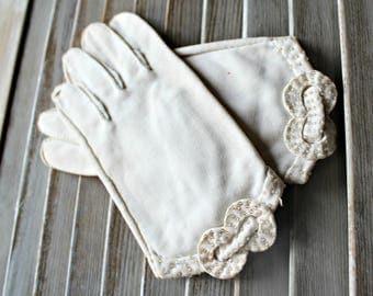 Vintage. White. gloves. Beaded. bow. 1960s. Pretty gloves!