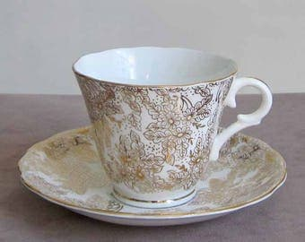 1940's Fine Bone China Teacup and Saucer by English Maker Colclough in Light Gold Gilt