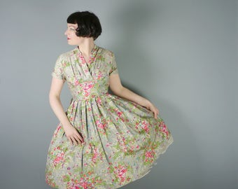 FLORAL print 50s dress - ROMANTIC cotton full skirt  Mid Century day dress - M