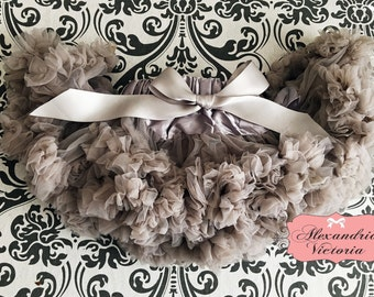 GRAY PETTISKIRT with Bow,  Gray Tutu, Newborn Pettiskirt, Baby Pettiskirt, Toddler Pettiskirt, Smash Cake, Birthday Outfit.