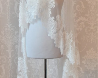 ALICE  Luxury Vintage Inspired Lace Bridal Veil