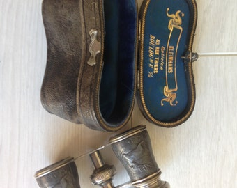 Vintage beautiful theatre/opera binoculars with their pouch