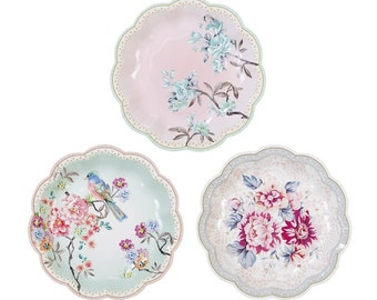 24 charm and romantic party plates.