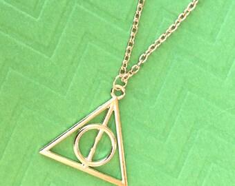 """Artesanales """"Harry de la muerte"""" oro Harry Potter inspirado collar"""