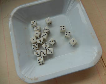 18 Piece Vintage Dice Die Bead Lot