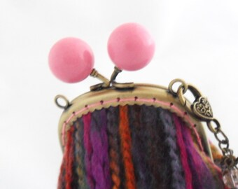 Bobble clasp coin purse with keyring
