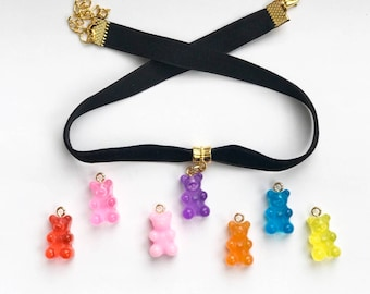 The gummy bear velvet choker