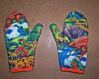 Child or junior size oven mitts pair-Dinosaur's