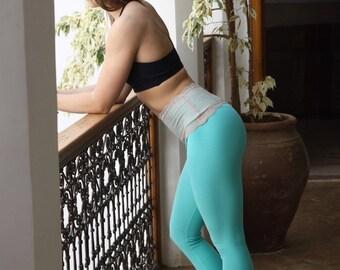 Aquamarine lace-waist legging