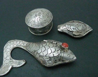 Sterling Silver Pill Boxes // Artesan Handmade Etched Silver Boxes //  Vintage Collectibles