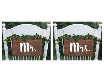 SET OF 2, Rustic Mr Mrs Sign, Wood Mr Mrs, Wedding Chair Signs,  Rustic Wedding Chair Signs, Boho Wedding Chair Signs, Wood Chair Signs