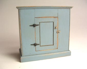Shaker painted cupboard