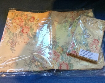 Shabby Chic Floral Placemat Set 4 placemats and 4 napkins Gardeners Eden New Made in Italy