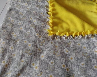 Daisey fleece tie blanket 54 x 58