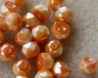 PRECIOSA Hill Beads, 6mm, Chalk Apricot, 03000/29123, sold in units of 25 beads.