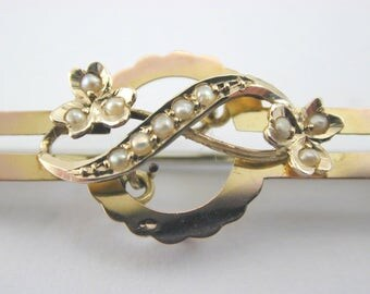 Art Nouveau three leaf clover seed pearl rose gold brooch c.1900