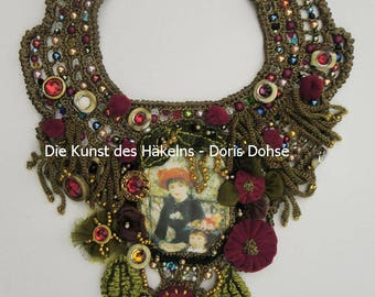 Large textile crochet collar necklace, picturesque, stitched and ambroidered with pearls, exclusive necklace, designer necklaces, exclusiv