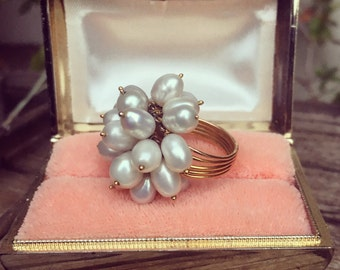 Stunning 1950's 18k rose gold and pearl size 6 cha cha ring