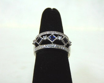 Womens Sterling Silver .925 Ring w/ Diamond Cut CZ Stones with Blue Sapphire Stone 7.6g #E2671