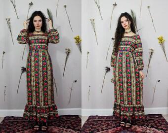 Vintage 1970s Floral Maxi Peasant Dress - Prarie, Hippie, Gypsys, Boho