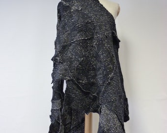 The hot price! Warm handmade salt-pepper felted shawl.