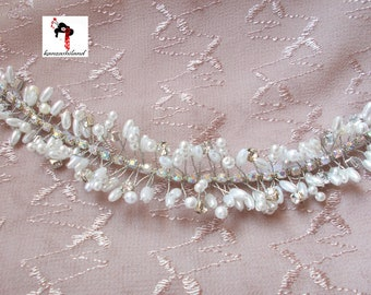 Tiara white with small pearls and rhinestones Crystal cluster