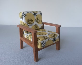 Modern Miniature Dollhouse Retro Chair 1:16 Scale