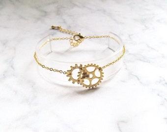 Gold Gear Bracelet - Cog Steampunk Gear Bracelet, Steampunk Gift, Clockwork Bracelet, Industrian Gear Jewelry