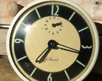 Vintage Cream Gilbert Alarm Clock...Old. Clock. Metal. Glow-in-the-dark. Collectible. Photo Prop. Display. White. Green.
