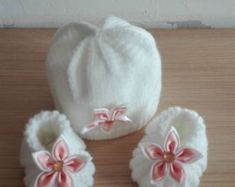Whole baby bonnet assorted slippers